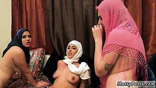 Couple record by chum Hot arab girls attempt foursome