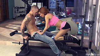 Veronica Avluv wants to try new ways of reaching orgasm at the gym
