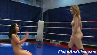 Curvy lesbian fingerfucking after wrestling