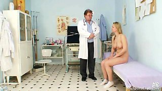 getting her pussy examined by her doc