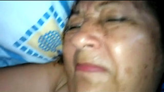 Colombian granny gives up the asshole but can't take the pounding