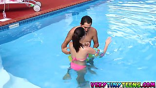 Carolina sweetness goes to bathe in semen