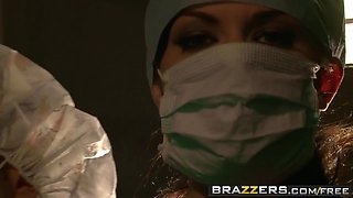 Brazzers - Doctor Adventures -  Sexy Doctor Takes Advantage