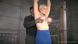 Blonde's nice lips ravished by a massive black boner