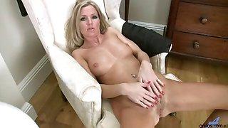 Sexy housewife Louise Dakotah solo